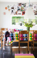 Bildno.: 11949545<br/><b>Feature: 11949534 - Jennie&#39;s Playhouse</b><br/>An artist&#39;s home in Varberg, Sweden spills over with joie de vivre<br />living4media / Brandt, Jenny