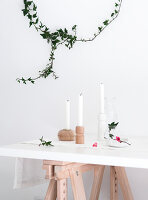 Bildno.: 11952745<br/><b>Feature: 11952744 - Shedding Light</b><br/>DIY Candle holders made from furniture legs<br />living4media / Dimmich, Agata