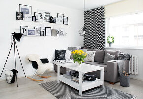 Bildno.: 11953493<br/><b>Feature: 11953492 - Know Your Style</b><br/>White, black and grey are the only colours in this home in Estonia<br />living4media / K&#252;barsepp, Juta