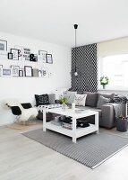 Bildno.: 11953495<br/><b>Feature: 11953492 - Know Your Style</b><br/>White, black and grey are the only colours in this home in Estonia<br />living4media / K&#252;barsepp, Juta