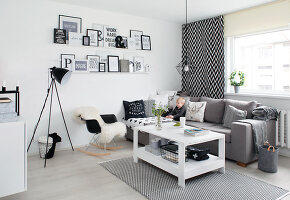 Bildno.: 11953497<br/><b>Feature: 11953492 - Know Your Style</b><br/>White, black and grey are the only colours in this home in Estonia<br />living4media / K&#252;barsepp, Juta