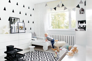 Bildno.: 11953521<br/><b>Feature: 11953492 - Know Your Style</b><br/>White, black and grey are the only colours in this home in Estonia<br />living4media / K&#252;barsepp, Juta