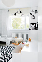 Bildno.: 11953527<br/><b>Feature: 11953492 - Know Your Style</b><br/>White, black and grey are the only colours in this home in Estonia<br />living4media / K&#252;barsepp, Juta