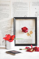 Bildno.: 11954709<br/><b>Feature: 11954692 - Tiptoe Through the Tulips</b><br/>Decorating ideas with tulips and newsprint<br />living4media / Koll, Alicja