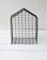 Bildno.: 11954805<br/><b>Feature: 11954797 - Anti-clutter Cage</b><br/>DIY project for organizing things<br />living4media / Dimmich, Agata