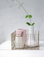 Bildno.: 11954807<br/><b>Feature: 11954797 - Anti-clutter Cage</b><br/>DIY project for organizing things<br />living4media / Dimmich, Agata