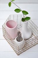Bildno.: 11954811<br/><b>Feature: 11954797 - Anti-clutter Cage</b><br/>DIY project for organizing things<br />living4media / Dimmich, Agata