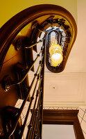 Bildnr.: 11955347<br/><b>Feature: 11955327 - Glanz und Gloria in der Hansestadt</b><br/>Eine ehemalige Kirche wurde von Interior-Profi Th&#225;i-C&#244;ng Qu&#225;ch zu einem geschmackvollen Familienheim<br />living4media / Vetter, Misha