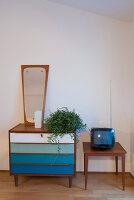 Bildno.: 11956163<br/><b>Feature: 11956152 - Mid-Century Italian Charm</b><br/>An architect&#39;s showroom in Sarzana, Italy<br />living4media / Tamborra, Enza