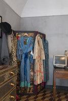 N° de l'image 11956775<br/><b>Reportage: 11956759 - Handmade Fantasies</b><br/>The home of an Italian lamp and fashion designer in Italy<br />living4media / Tamborra, Enza