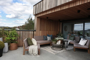 Bildno.: 11963007<br/><b>Feature: 11962992 - House on Oslo Fjord</b><br/>Fashionista&#39;s home in Dr&#248;bak, Norway<br />living4media / Annette &amp; Christian