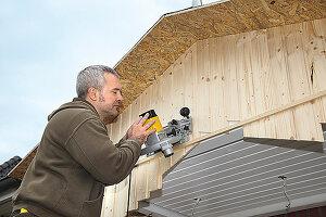 Bildnr.: 11965005<br/><b>Feature: 11964967 - Neuer Vorbau</b><br/>Ein Vordach gibt Schutz und eine heimelige Optik. So wird&#39;s gebaut.<br />living4media / Selbermachen Media / Bordes, Christian