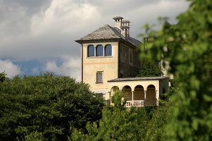 Bildno.: 11973241<br/><b>Feature: 11973220 - Noble Residence</b><br/>A &quot;Palazetto&quot; full of historic details in Piedmont, Italy<br />living4media / Maulini, Pier