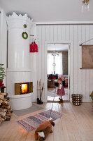 Bildno.: 11990573<br/><b>Feature: 11990571 - Christmas up North</b><br/>Nostalgic house in Kvarnsvedjan, a small village outside Ume&#229;, North Sweden<br />living4media / Isaksson, Camilla