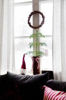 Bildno.: 11990581<br/><b>Feature: 11990571 - Christmas up North</b><br/>Nostalgic house in Kvarnsvedjan, a small village outside Ume&#229;, North Sweden<br />living4media / Isaksson, Camilla