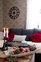 Bildno.: 11990583<br/><b>Feature: 11990571 - Christmas up North</b><br/>Nostalgic house in Kvarnsvedjan, a small village outside Ume&#229;, North Sweden<br />living4media / Isaksson, Camilla