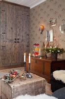 Bildno.: 11990585<br/><b>Feature: 11990571 - Christmas up North</b><br/>Nostalgic house in Kvarnsvedjan, a small village outside Ume&#229;, North Sweden<br />living4media / Isaksson, Camilla
