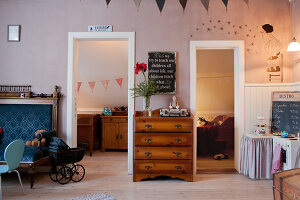 Bildno.: 11990597<br/><b>Feature: 11990571 - Christmas up North</b><br/>Nostalgic house in Kvarnsvedjan, a small village outside Ume&#229;, North Sweden<br />living4media / Isaksson, Camilla