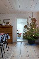 Bildno.: 11990685<br/><b>Feature: 11990664 - Christmas on the Family Farm</b><br/>Celebrating Christmas in Dalum, Sweden<br />living4media / Isaksson, Camilla