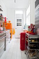 Bildnr.: 11990747<br/><b>Feature: 11990718 - Pure Lebensfreude</b><br/>Bea und ihre Familie lieben es bunt. Viel Wei&#223; ist die perfekte Leinwand. Leuwarden, NL<br />living4media / Isaksson, Camilla
