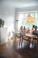 Bildno.: 11991383<br/><b>Feature: 11991357 - Head Hunting</b><br/>Visit to the workshop of a Hamburg artist who makes sculptured portraits<br />living4media / Gewecke, Gudrun