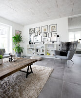 Bildno.: 12082857<br/><b>Feature: 12082842 - Re-inventing Style</b><br/>Newly built house overlooking Aarhus Bay, Denmark<br />living4media / Lene-K