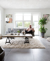 Bildno.: 12082867<br/><b>Feature: 12082842 - Re-inventing Style</b><br/>Newly built house overlooking Aarhus Bay, Denmark<br />living4media / Lene-K