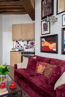 N° de l'image 12084359<br/><b>Reportage: 12084343 - French Cocooning</b><br/>Tiny apartment in Paris proves that style comes in all sizes<br />living4media / Hallot, Olivier