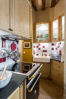 N° de l'image 12084361<br/><b>Reportage: 12084343 - French Cocooning</b><br/>Tiny apartment in Paris proves that style comes in all sizes<br />living4media / Hallot, Olivier