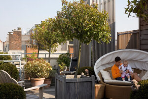 Bildno.: 12100975<br/><b>Feature: 12100951 - High Gardening</b><br/>Rooftop garden in Antwerp, Belgium<br />living4media / Obijn, Guy