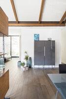 Bildno.: 12237621<br/><b>Feature: 12237615 - Free to Room</b><br/>Lofty home of an artist in Milan<br />living4media / Tamborra, Enza