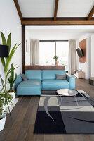 Bildno.: 12237629<br/><b>Feature: 12237615 - Free to Room</b><br/>Lofty home of an artist in Milan<br />living4media / Tamborra, Enza