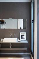 Bildno.: 12237635<br/><b>Feature: 12237615 - Free to Room</b><br/>Lofty home of an artist in Milan<br />living4media / Tamborra, Enza