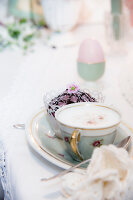 Bildno.: 12272723<br/><b>Feature: 12272716 - Easter Decorations</b><br/>The trends in this decorative scheme are elegant and delicate are<br />living4media / Bildh&#252;bsch