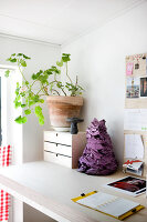 Bildno.: 12273649<br/><b>Feature: 12273611 - A Country Place</b><br/>Ceramics&#39; designer&#39;s home in Denmark<br />living4media / Jacobsen, Bjarni B.
