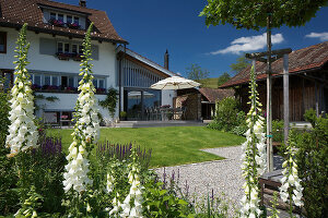 Bildno.: 12293435<br/><b>Feature: 12293430 - Pastoral Idyll</b><br/>Ancient farmhouse gets a makeover in the province of Bern, Switzerland<br />living4media / Giovanelli, Francesca