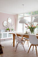 Bildno.: 12321721<br/><b>Feature: 12321691 - Paradise in Pastel</b><br/>Pale colours and soothing furnishings define this home in the Netherlands<br />living4media / Isaksson, Camilla