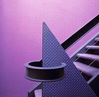 eine wei geflieste dusche mit einer wand aus glasbausteinen bild kaufen living4media. Black Bedroom Furniture Sets. Home Design Ideas