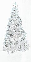 A white Christmas tree (effect)