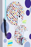 Pinboards in confetti pattern