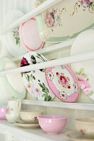Decorative plates in white plate rack