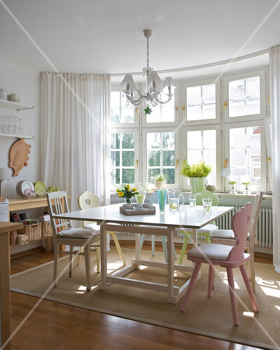 Pastel colours and country charm in kitchen dining area