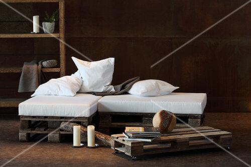 vom m ll zum m bel feature bilder kaufen living4media. Black Bedroom Furniture Sets. Home Design Ideas