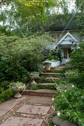 This South African garden relies on the beauty of old fashioned plants