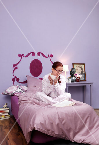 Headboard that you can simply paint on the wall