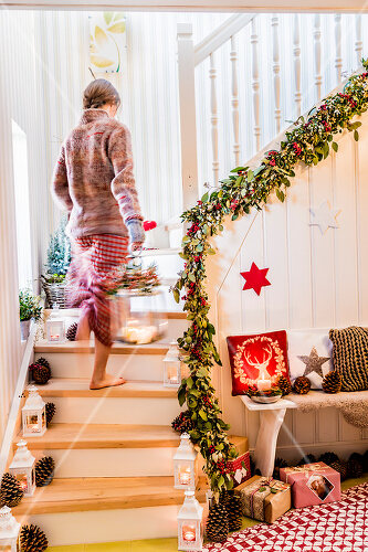 How to create an inviting entry area for the holiday season