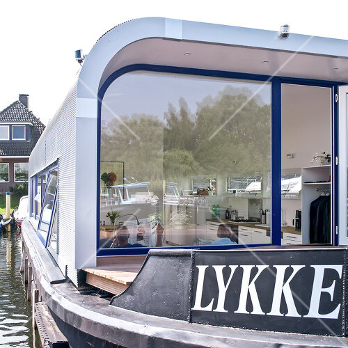 House boat in Hamburg ticks all the boxes