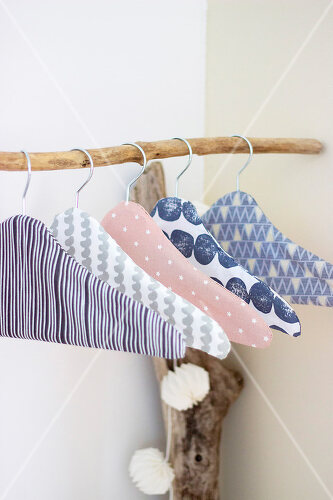 DIY instructions for pepping up boring clothes hangers