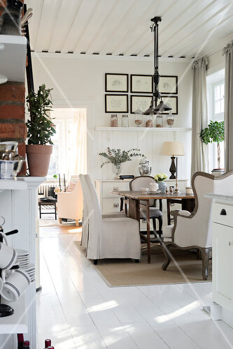 Eclectic furnishings define this house Djursholms Ekeby, Sweden