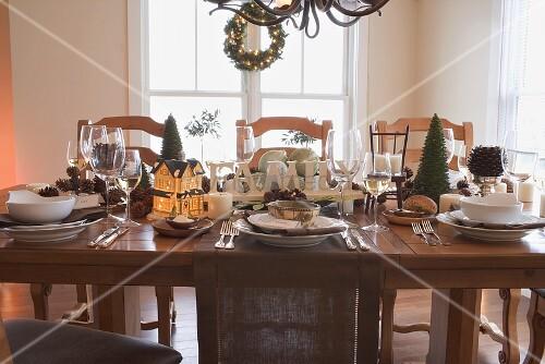 gedeckter tisch zu weihnachten usa bild kaufen. Black Bedroom Furniture Sets. Home Design Ideas